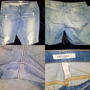Refuge (Charlotte Russe) destroyed/distressed jean